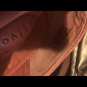 Privo Shoes - Salmon color casual walking shoe Privo by Clark's